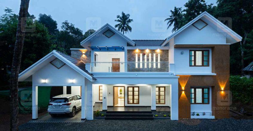 cute-house-thiruvalla-night