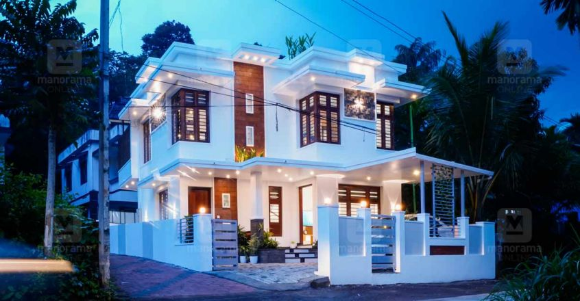 3-cent-dr-house-calicut-night