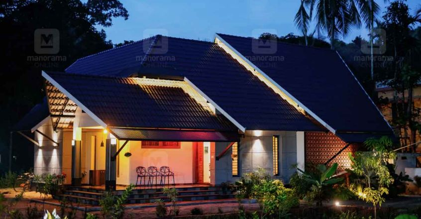 single-storeyed-house-thrissur-night