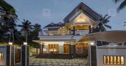 Enchanting design makes this Kayamkulam mansion a majestic edifice