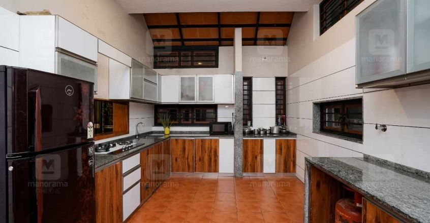 27-lakh-manjeri-kitchen