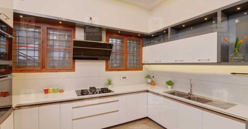 victorian-house-thrissur-kitchen