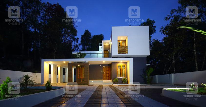 nri-chengannur-house-night