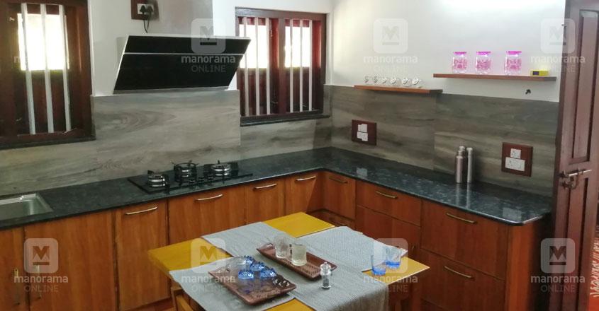 traditional-thrissur-nalukett-kitchen