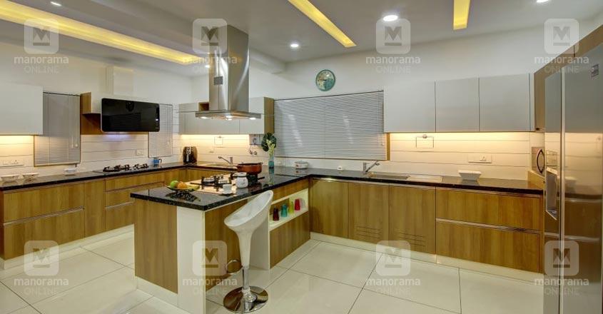 karthikapally-house-kitchen