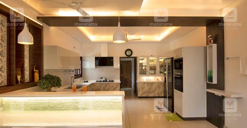 luxury-house-kaduthuruthy-kitchen