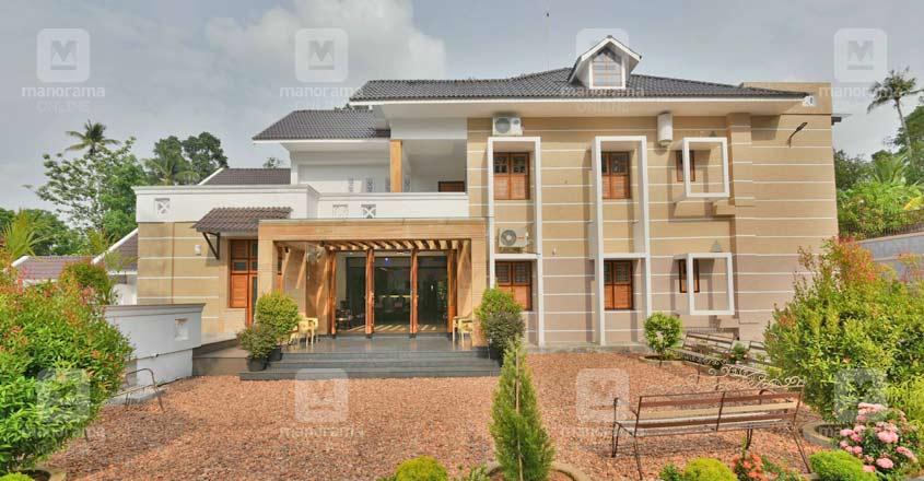 kaduthuruthy-house