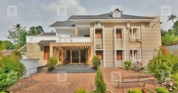 This palatial mansion in Kaduthuruthy extends beyond imagination