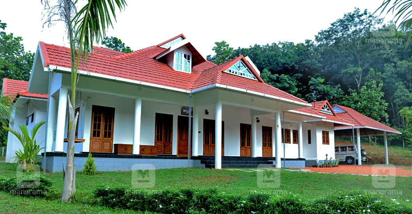 kerala-home-kanjirappilly-sideview