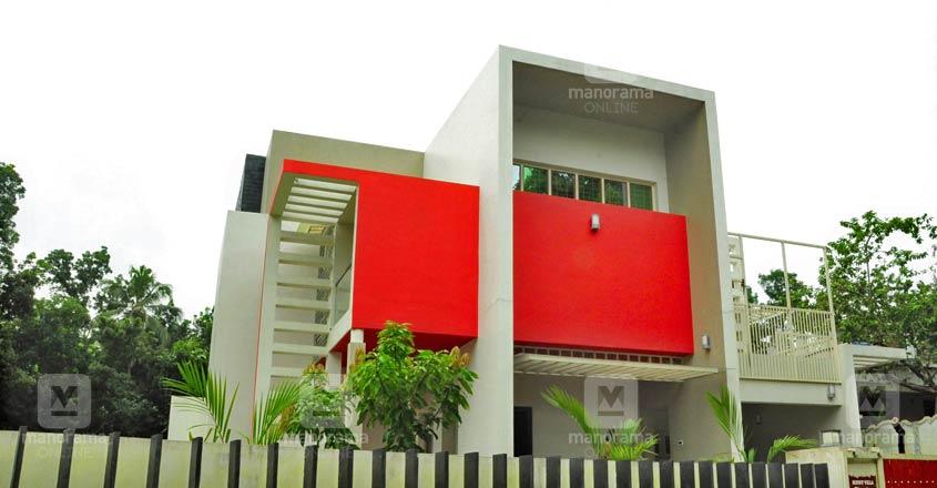 malayatur-house-exterior