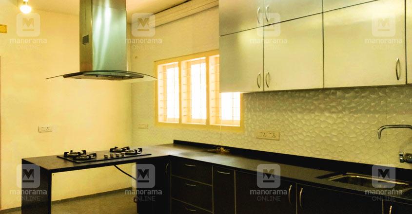 malayatur-house-kitchen