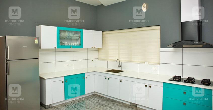 colonial-home-manjeri-kitchen