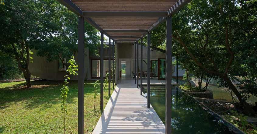 house-on-stream-deck