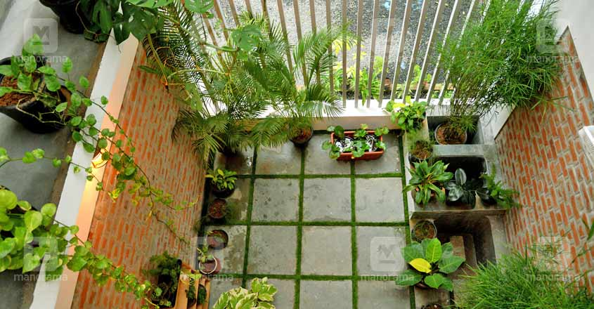 cute-green-house-kottayam-court