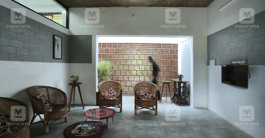 12-lakh-home-chathanur-living