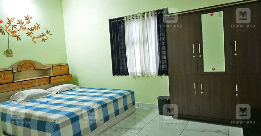 17-lakh-home-bed