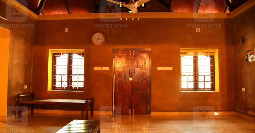 traditioanl-renovation-thrissur-hall