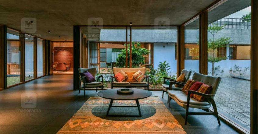 super-house-edavanna-courtyard
