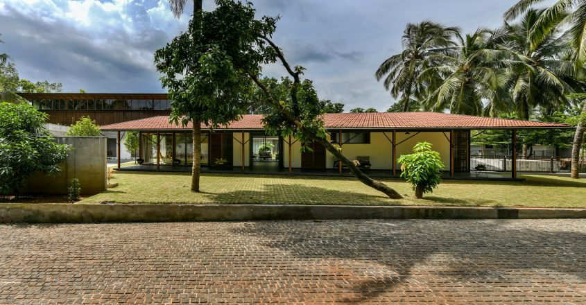 super-house-edavanna-exterior