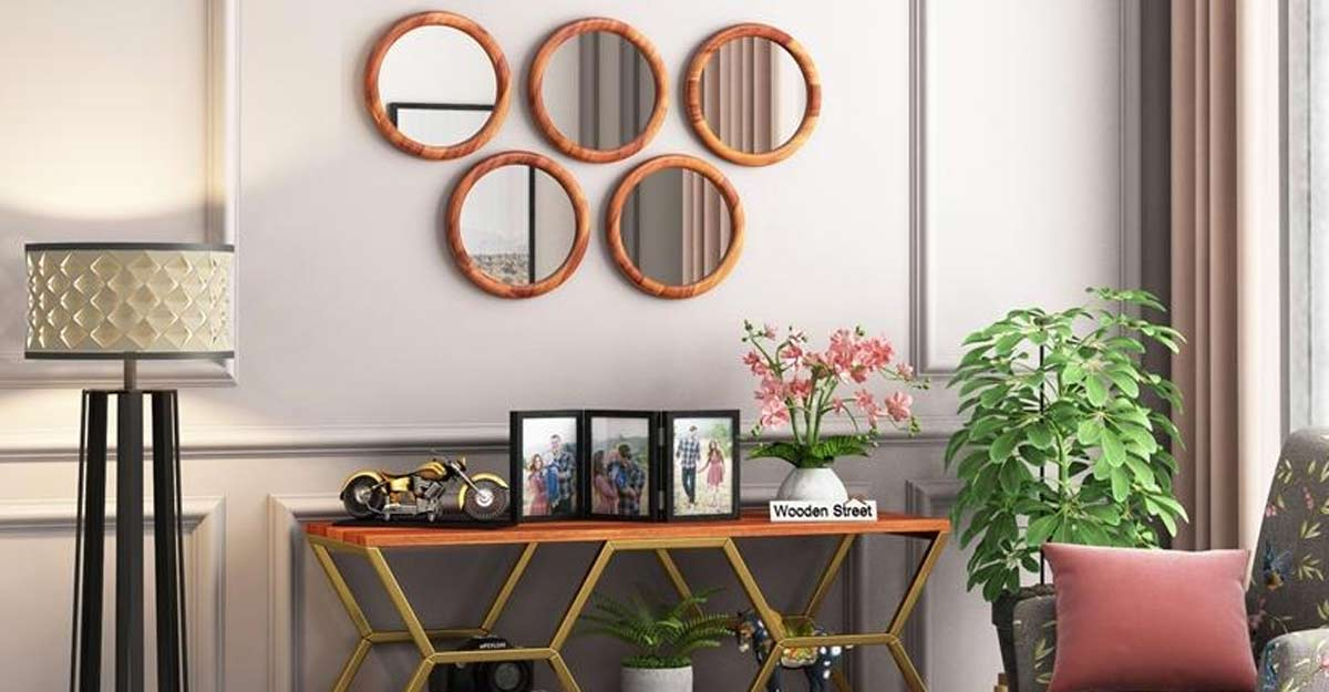 Arranging lights and mirrors for a clutter-free home in a budget