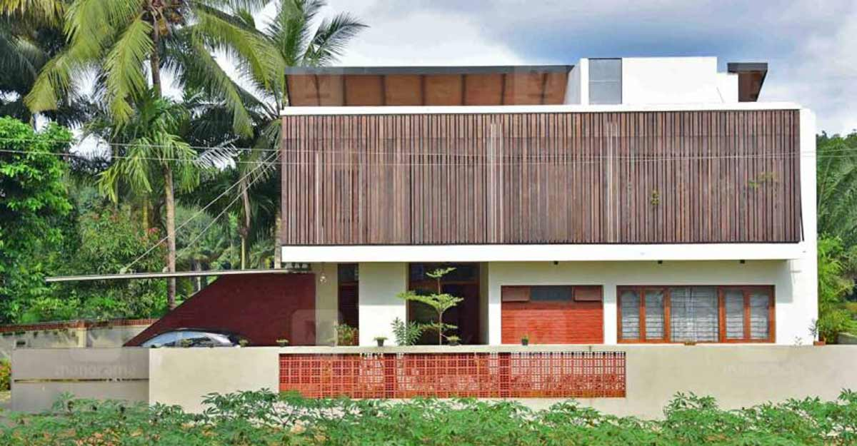 A Kottayam house with a smart design to overcome space constraints