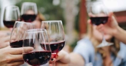 Here are some wine etiquette for this festive season