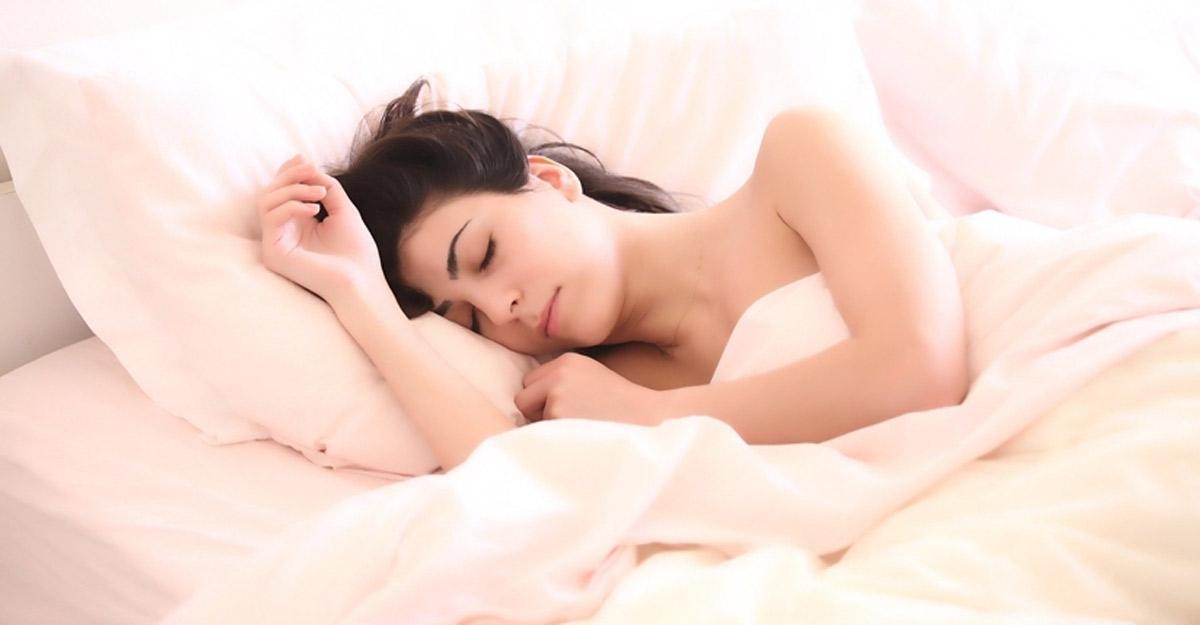 8 ways to sleep better during COVID-19 stress. (Photo Courtesy: Pixabay)