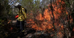 Australia predicts prolonged wildfire seasons from climate change