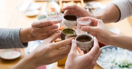 Japanese website for virtual drinking gathering cheers tipplers