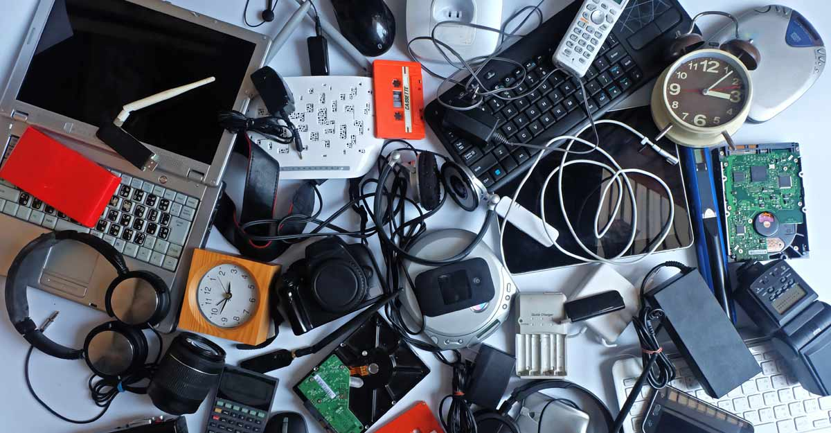 Teenaged Indian girl in Dubai helps recycle tons of e-waste