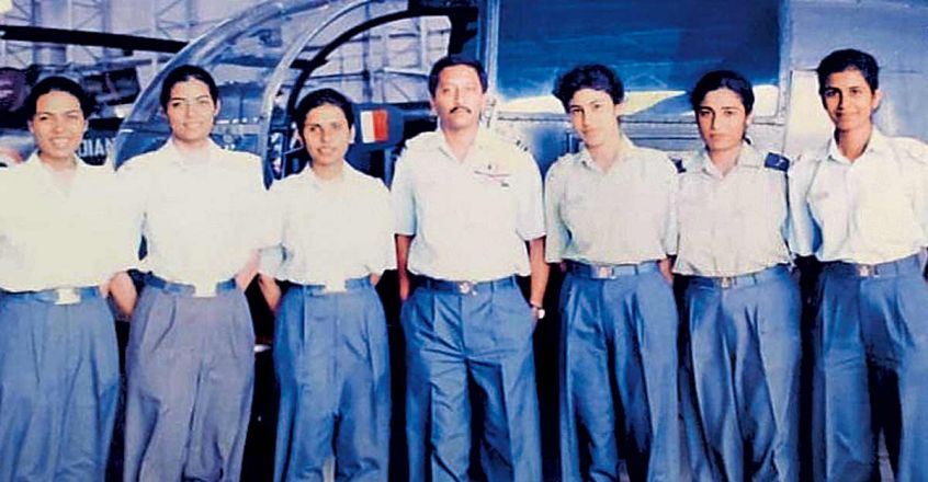 Is Gunjan Saxena Iaf S First Woman Pilot To Fly In Combat