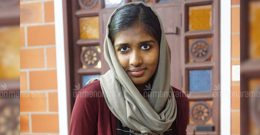 Faheema Shirin stands for students' rights; not just using mobile phones in hostel