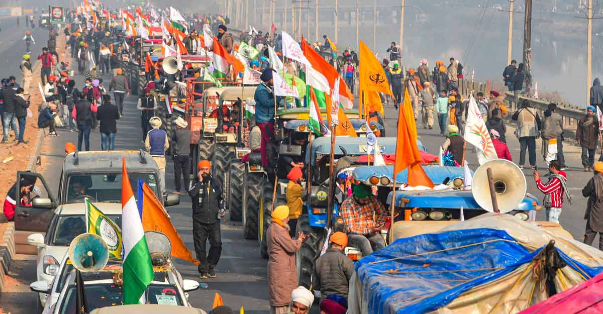 /content/dam/mm/en/news/india/images/2021/1/26/farmers-rally-gtk-road.jpg