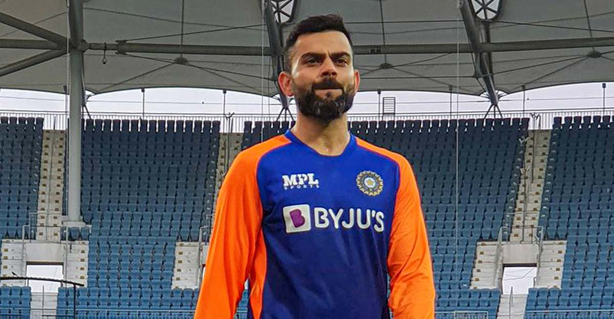 Kohli upset over England batsmen running on the pitch