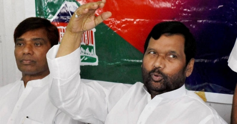 Paswan finds his tongue as Modi govt goes on the defensive