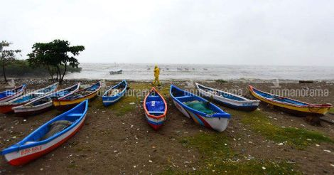 Cyclone Ockhi: Search ops limited to Mangaluru, only 100 boats join effort