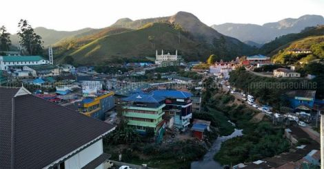 Munnar encroachments: Eviction drive begins amid tight security | Story in points