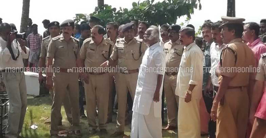60 cops injured as building collapses in Kannur