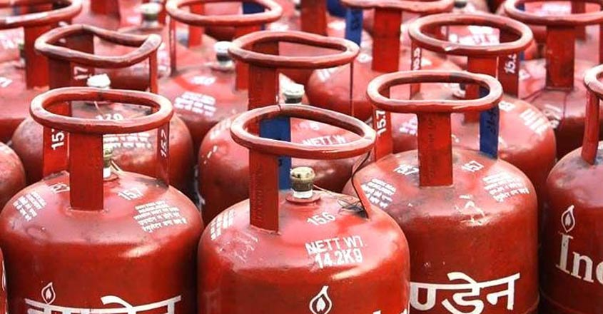 Non-subsidised cooking gas price cut by a record Rs 162.50 per cylinder