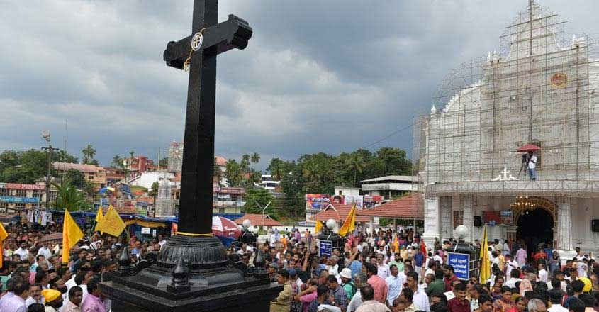 High Court asks Kerala govt to take over Kothamangalam church