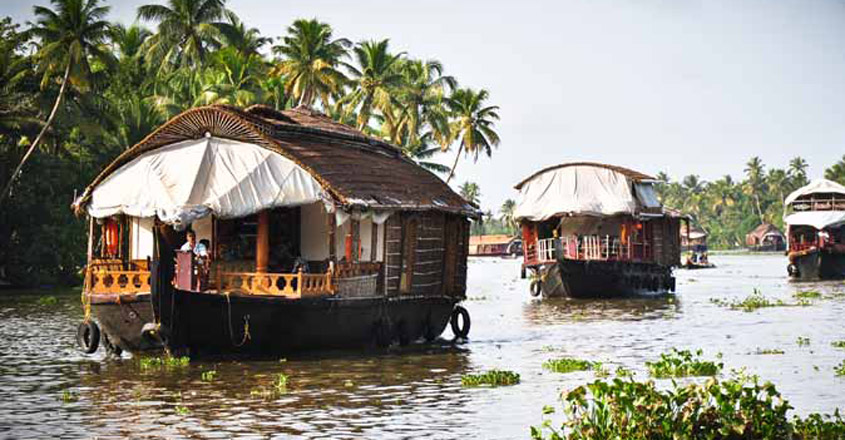 Abandoned in lockdown, houseboats set to become isolation wards in Kerala