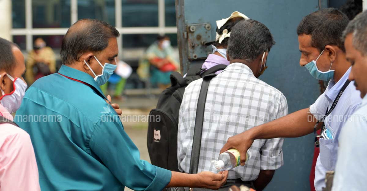 Rs 10 likely to be minimum bus fare in Kerala during COVID-19