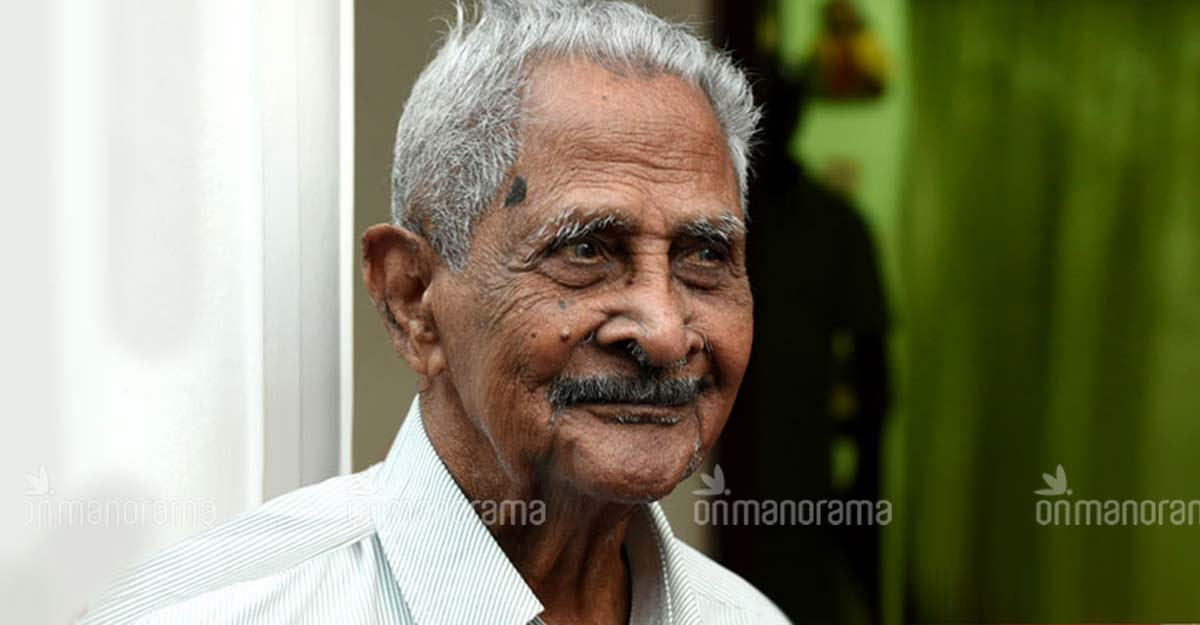Actor and singer Pappukutty Bhagavathar passes away