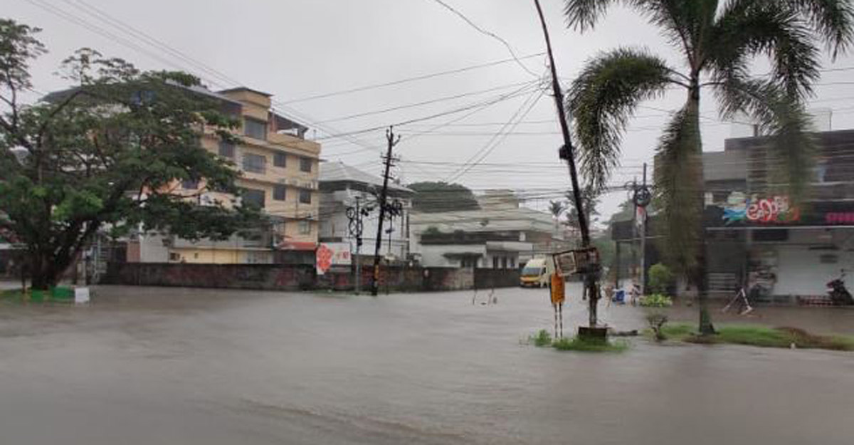 Heavy rain to continue in Central and South Kerala for next 48 hours