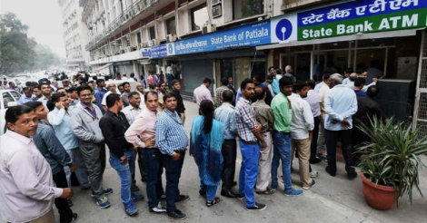 atm-queue-delhi1
