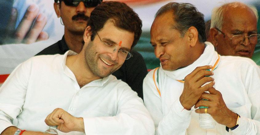 INDIA-VOTE-RALLY-RAHUL-GANDHI