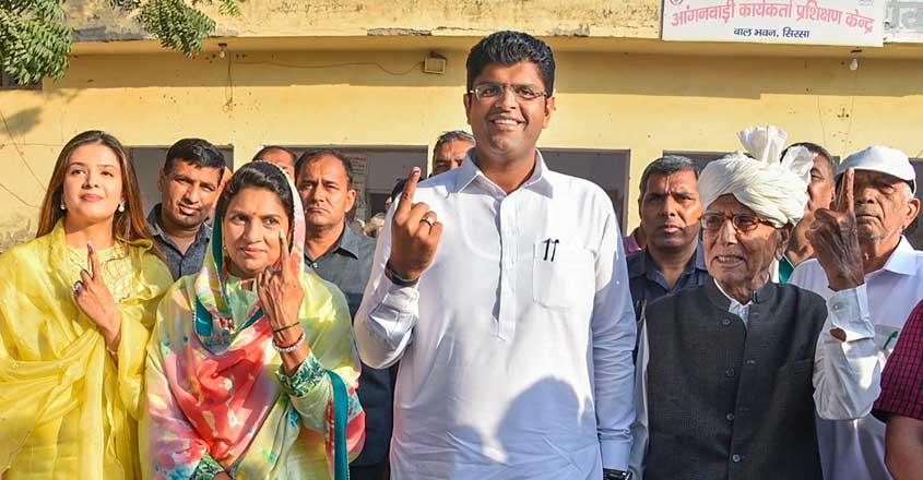 Dushyant Chautala may be Haryana's kingmaker, but who will he make king?