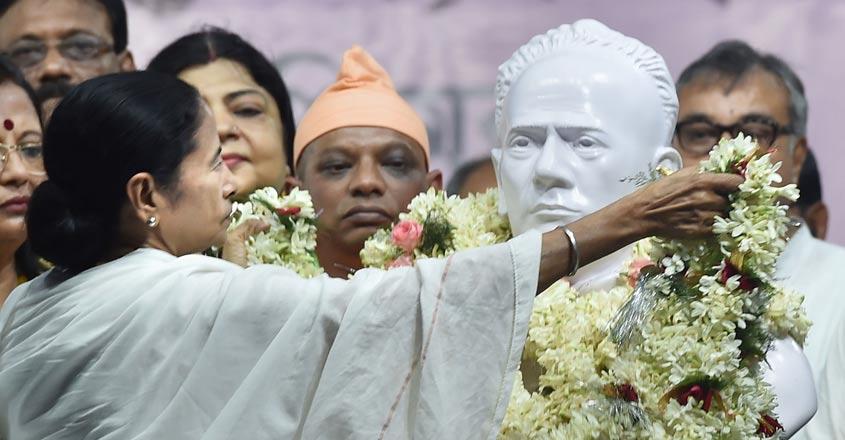 Won't allow BJP to turn Bengal into Gujarat, says Mamata after unveiling Vidyasagar bust