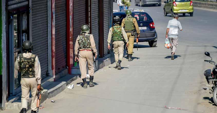 Kashmir on edge: Security beefed up, Internet services suspended, Omar, Mufti under house arrest