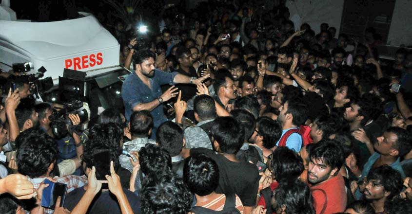 Babul Supriyo 'heckled' by students at Jadavpur University